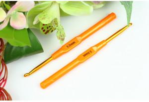 Крючок для вязания с пластмассовой ручкой 5.0 мм